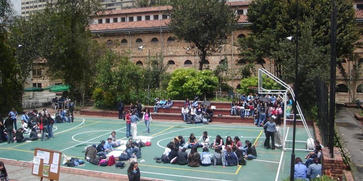 Universidad Colegio Mayor de Cundinamarca: sin terreno para funcionar -  Noticentro 1 CM&