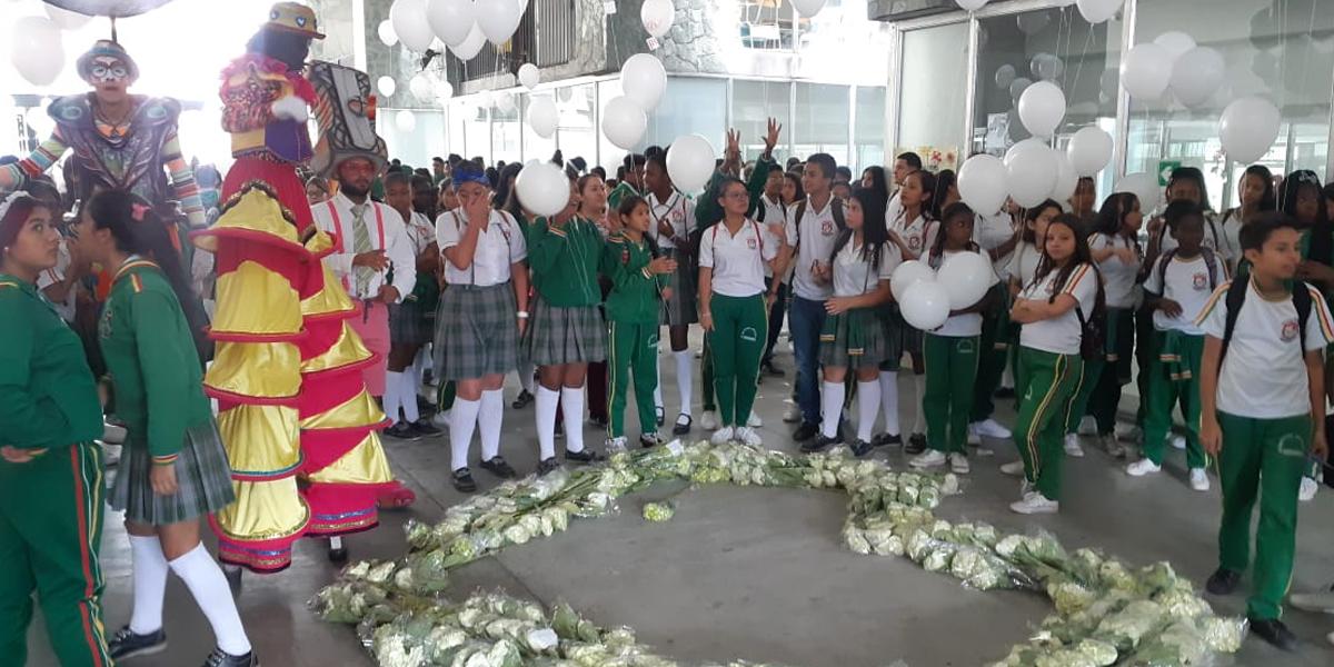 Frustran reclutamiento de estudiantes en la Comuna 13 de Medellín