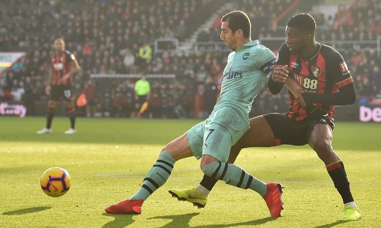 Domingo oscuro para Lerma: marcó un 'autogolazo' y su equipo perdió ante el Arsenal