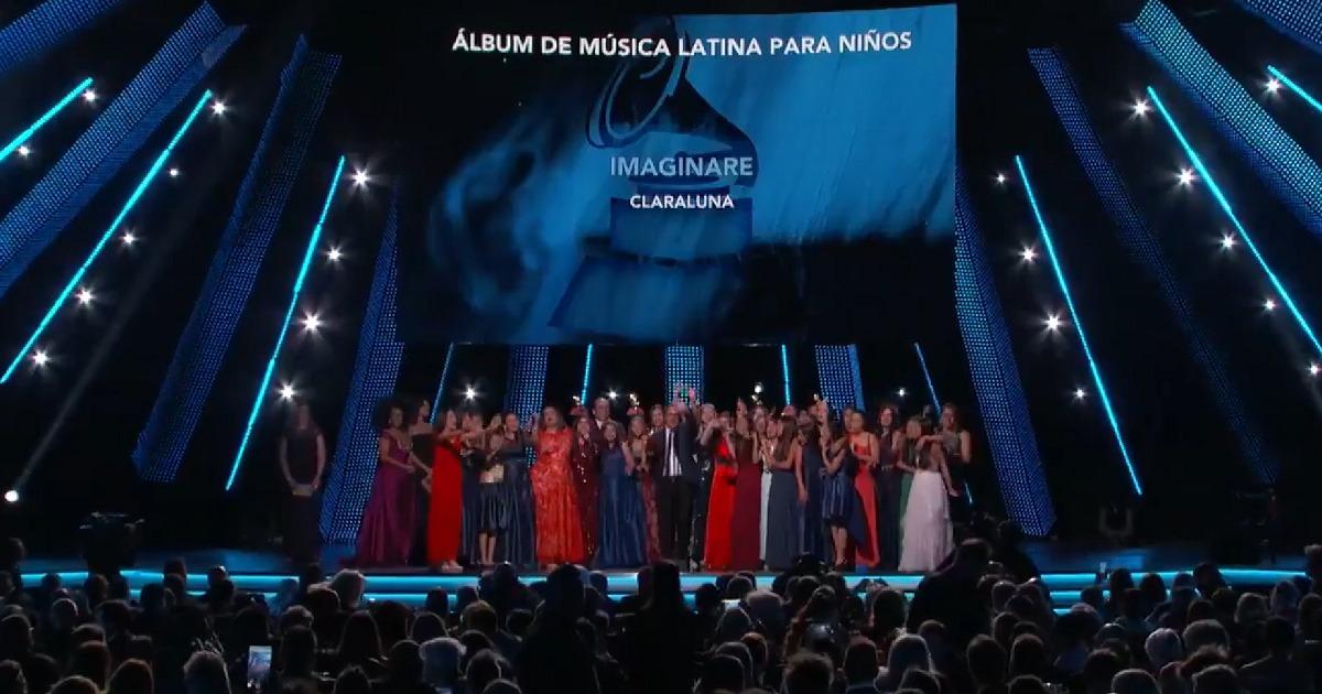 Grupo colombiano Claraluna, ganador del Mejor Álbum de Música Latina Para Niños
