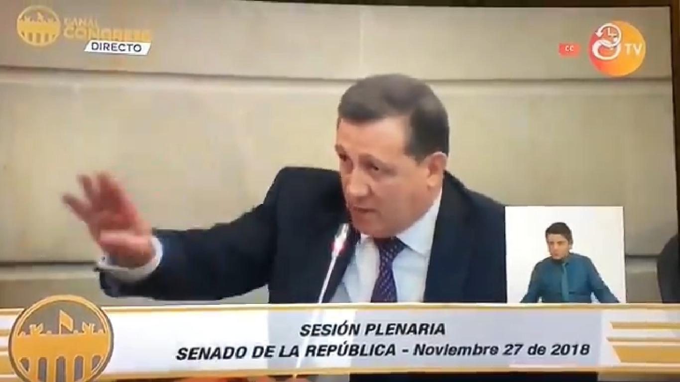 El error matemático de Ernesto Macías en pleno debate contra el Fiscal que despierta burlas en redes