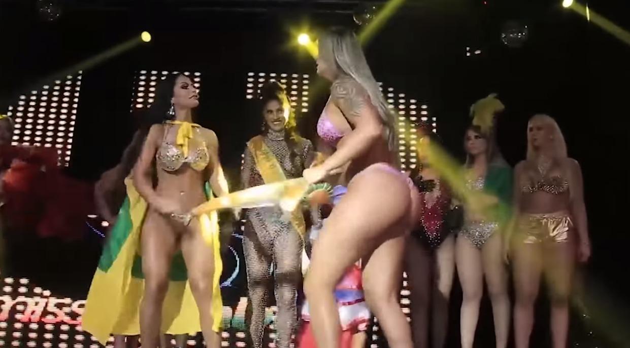 La tremenda pelea que se armó en plena coronación de 'Miss Bum bum'