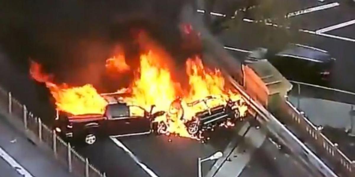 Un muerto y cinco heridos dejó incendio por choque múltiple en el Puente de Brooklyn, en Nueva York