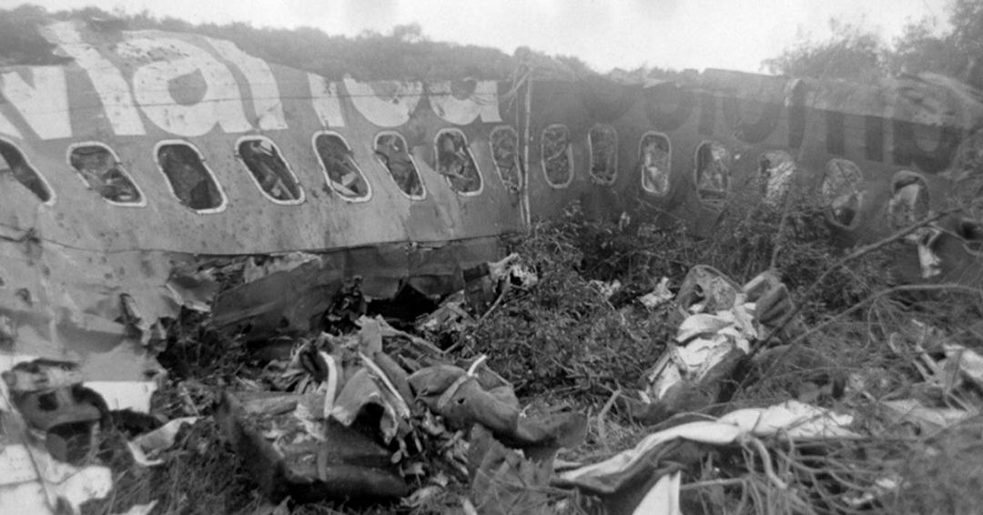 Rinden homenaje a víctimas de atentado contra avión de Avianca ordenado por Escobar