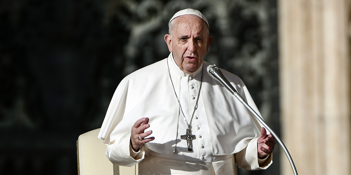 El papa invita a víctimas de abusos a reunión de obispos en febrero