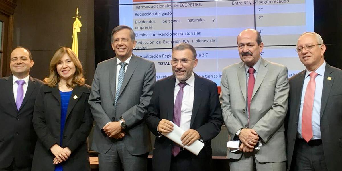 Disidentes de la U presentan propuestas para no gravar canasta familiar con IVA