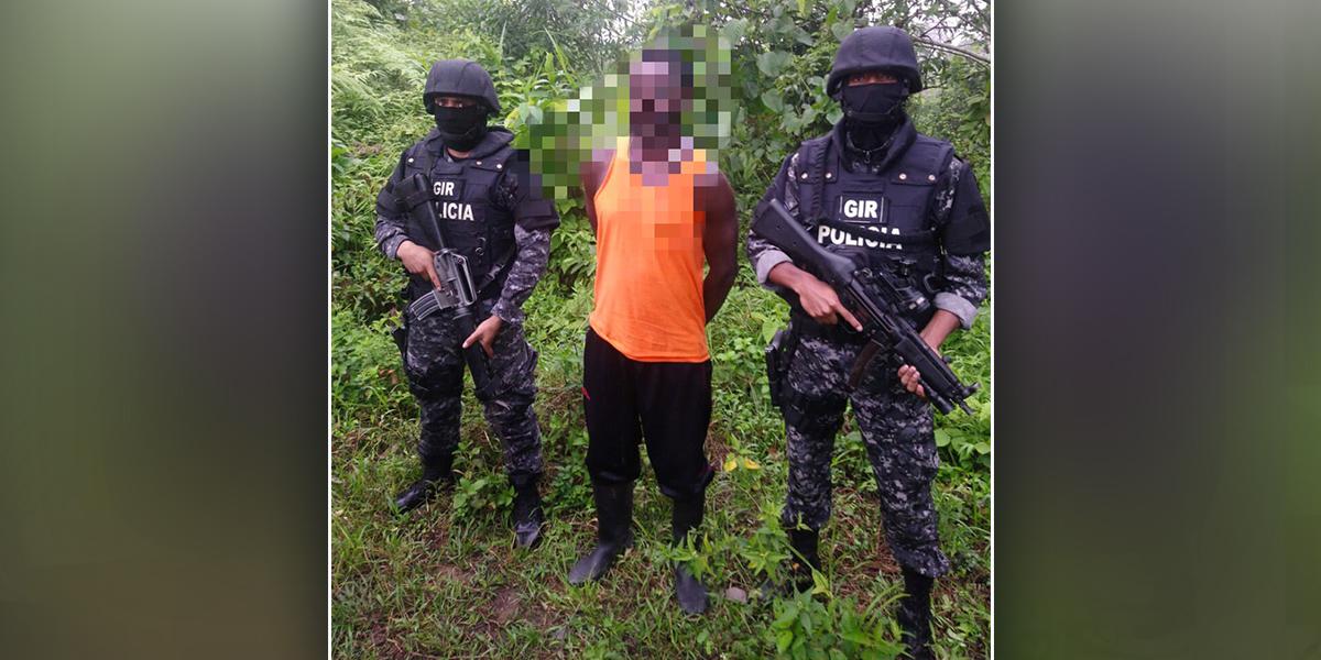 Detienen en Ecuador a miembro de disidencia de las Farc liderada por alias 'Guacho'