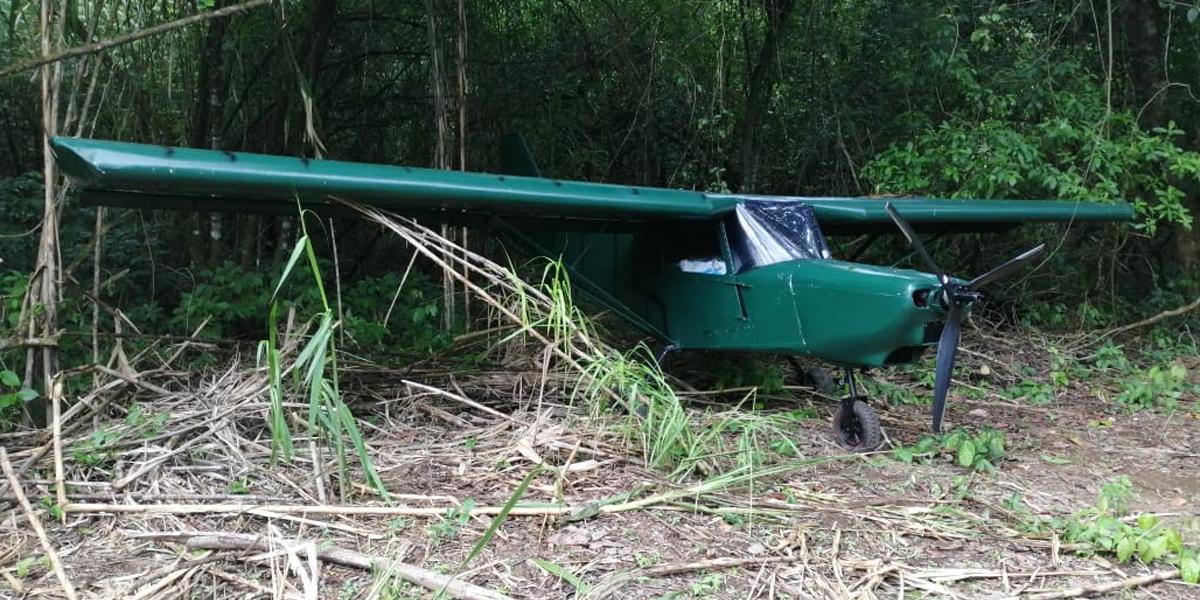 Armada incauta avioneta empleada para transporte de alcaloides en Juradó, Chocó