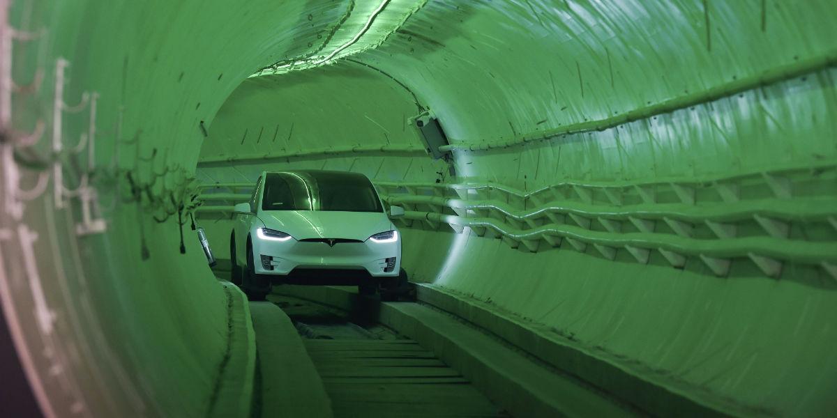 elon musk trancones tunel vehiculos