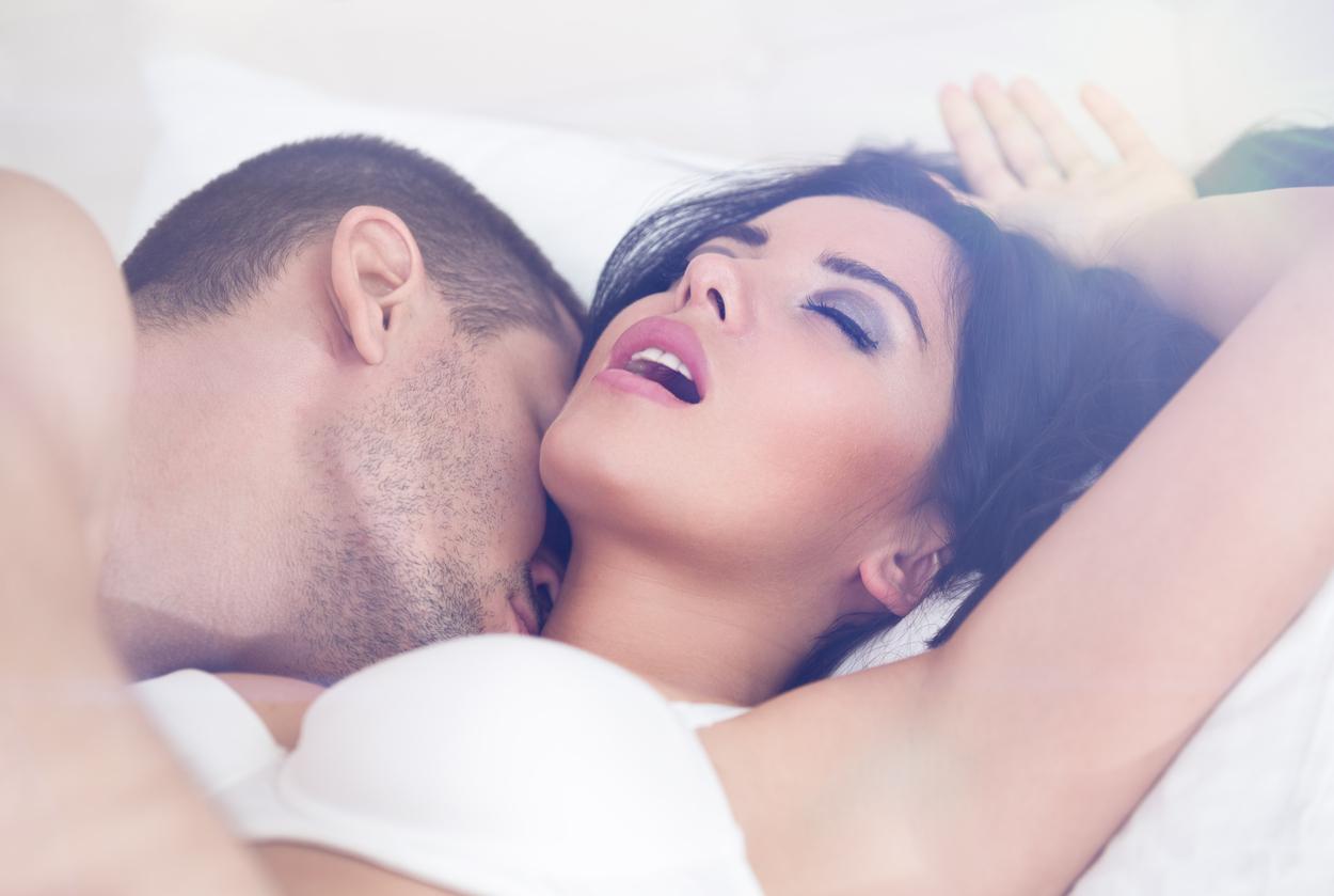 La verdadera razón del por qué las mujeres gimen y gritan durante el sexo
