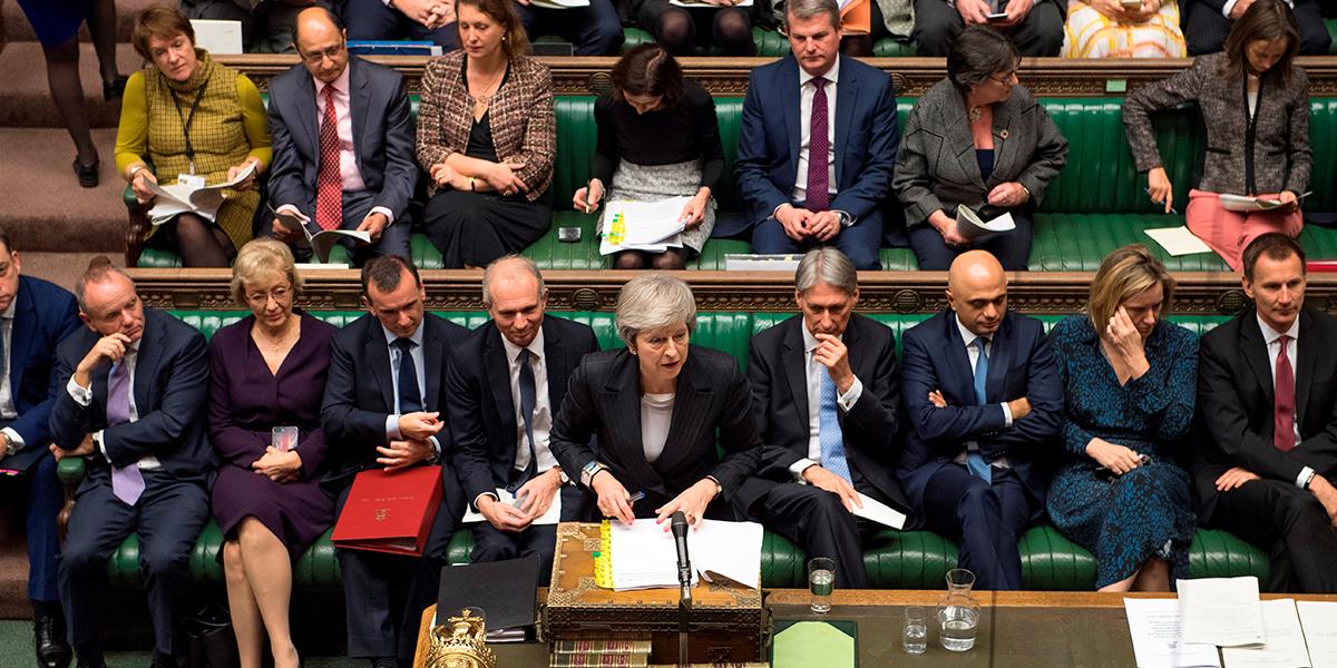 May aplazará votación parlamentaria sobre el Brexit