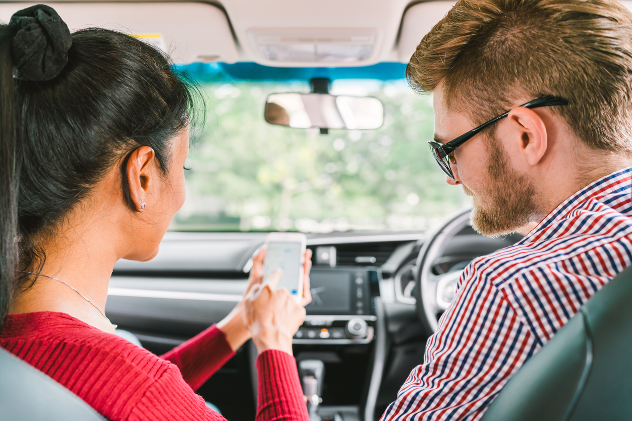 Conductores de Uber, Cabify y Beat se quedarían sin pase de conducción por 25 años