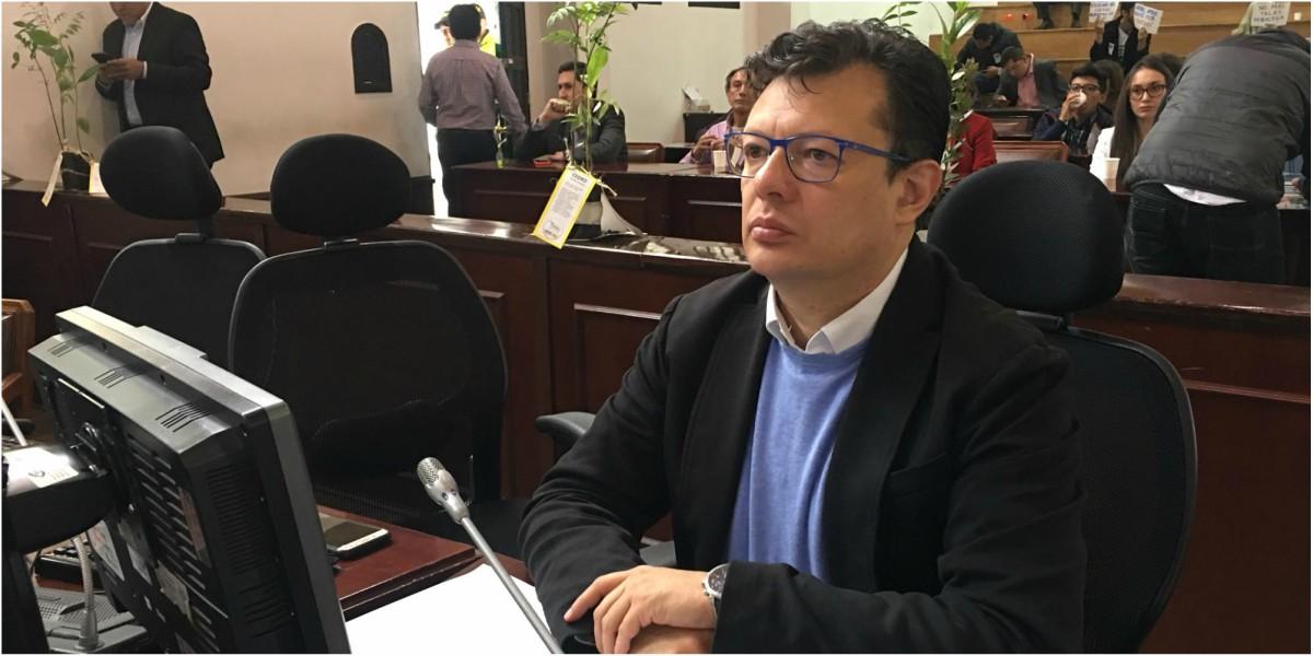 hollman morris abogado luis eduardo leiva denuncia patricia casas