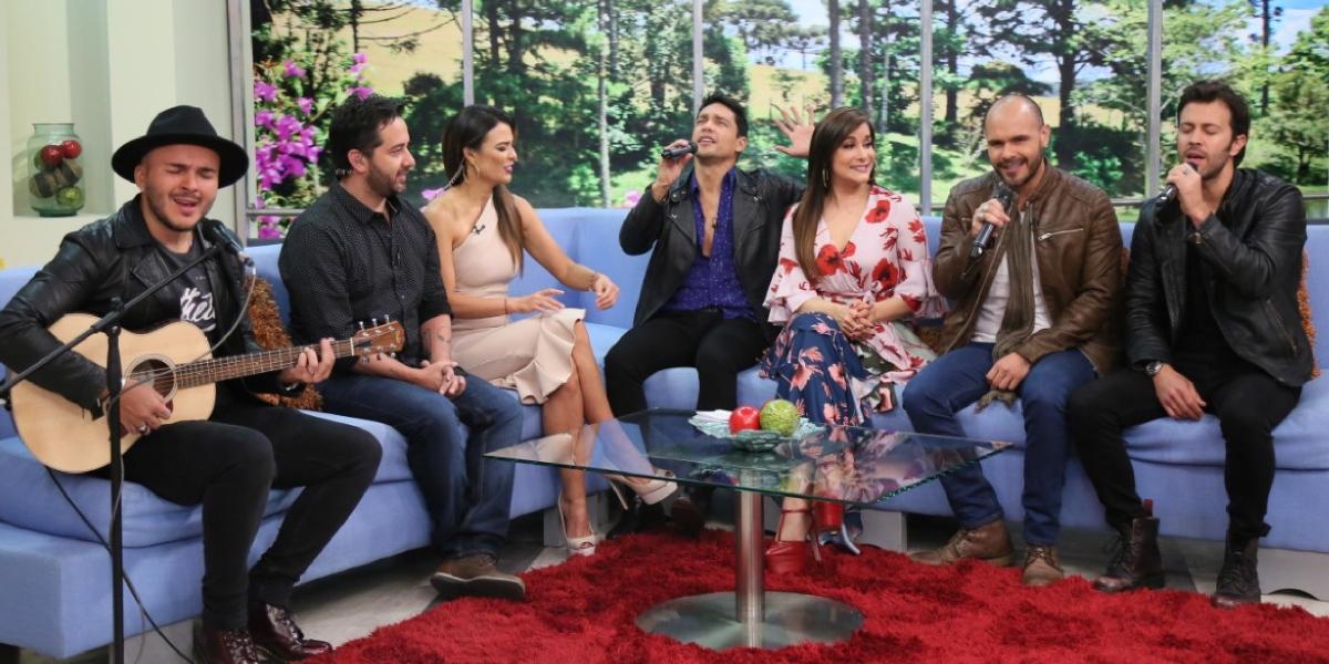 Carmen Larrazábal canta a dúo en Acá Entre Nos y sorprende con su voz