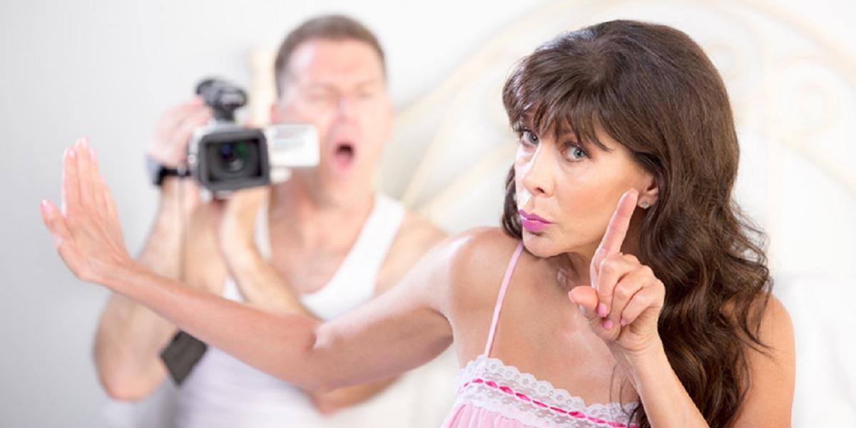 Mujer vio video porno y terminó descubriendo a sus padres como protagonistas