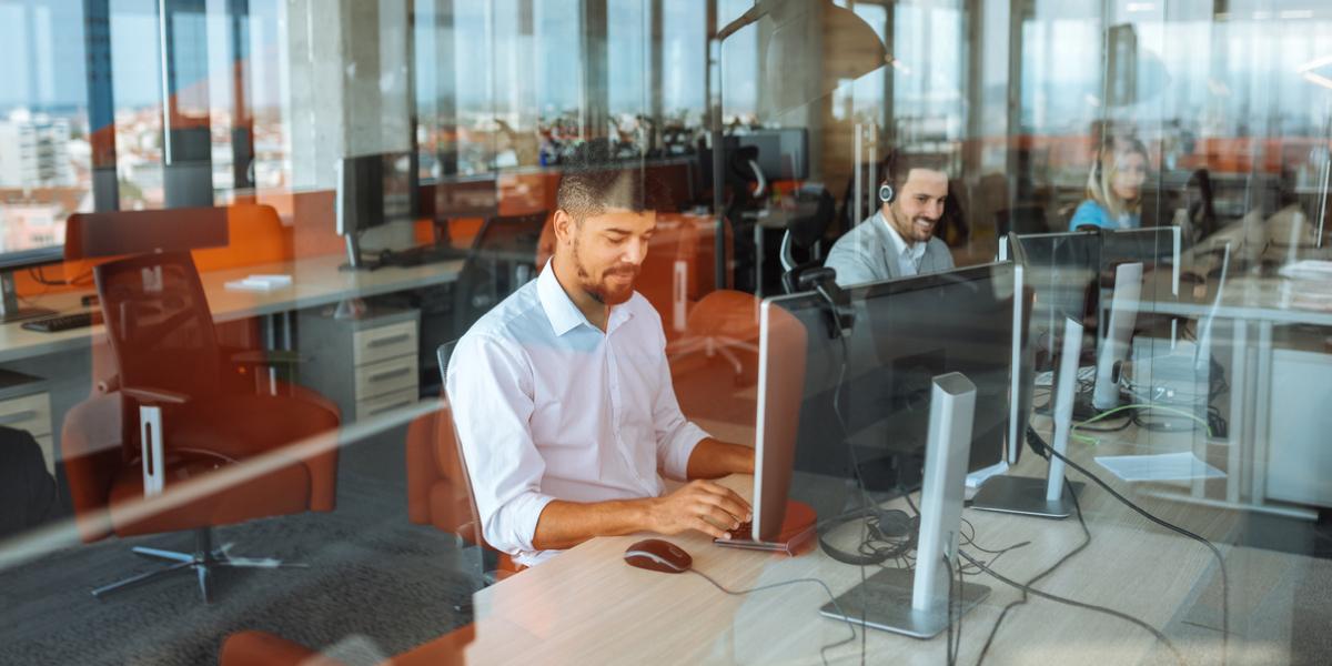 Trabajo sí hay: Huawei abrirá oficinas en Colombia y busca estos perfiles