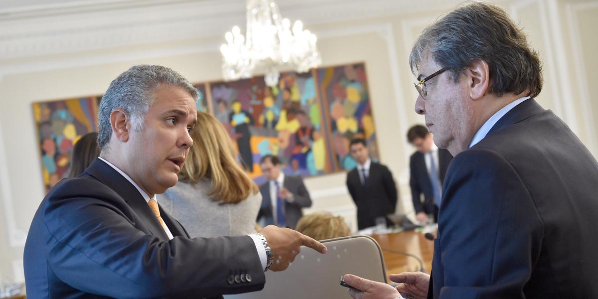Duque ratifica al canciller; Trujillo pide excusas y anuncia que no piensa ahora en candidaturas
