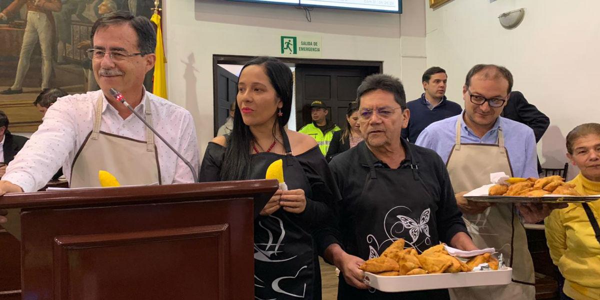 """Con 'empanadatón' proponen decreto para celebrar el """"Día de la economía informal"""""""