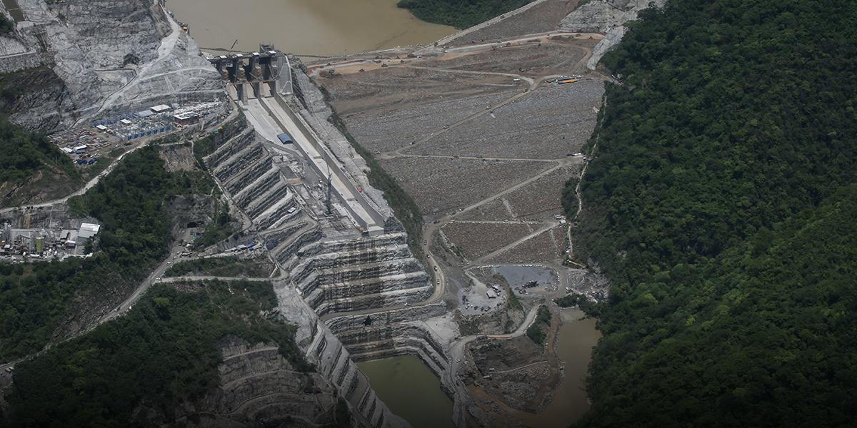 Hidroituango: a dos metros de alcanzar el vertedero