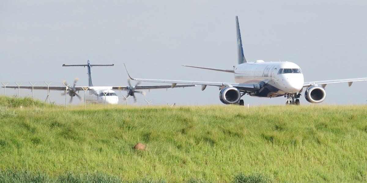 Revisión a los impuestos de los tiquetes aéreos