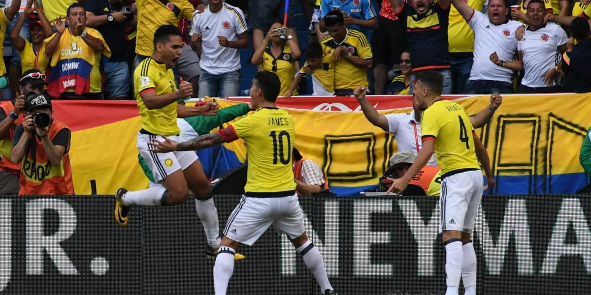 Un titular de la selección saldría de la convocatoria de Queiroz por lesión
