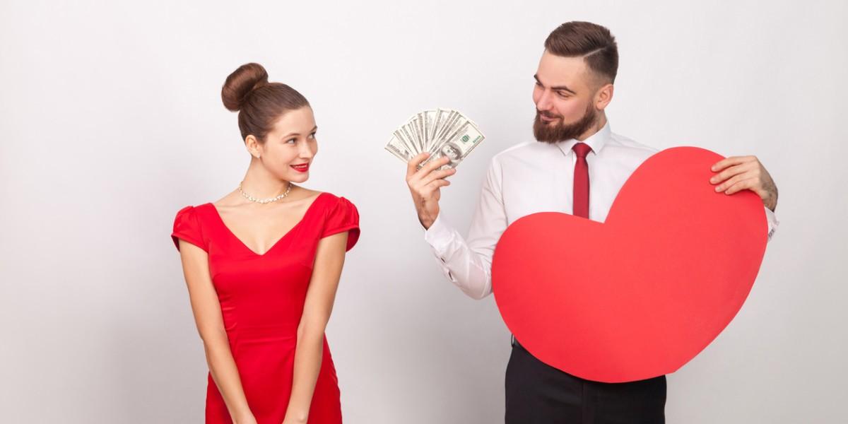 ¿Cómo saber si tu pareja está contigo por interés?