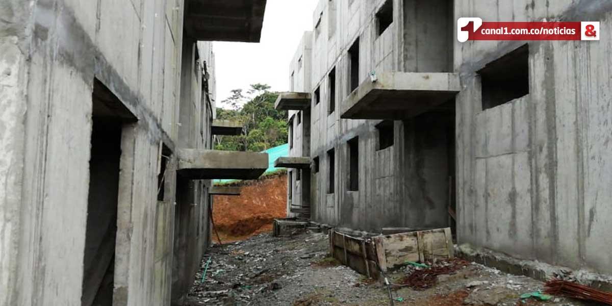 Sin respuesta, víctimas de ola invernal en Rosas por abandono de 92 soluciones de vivienda