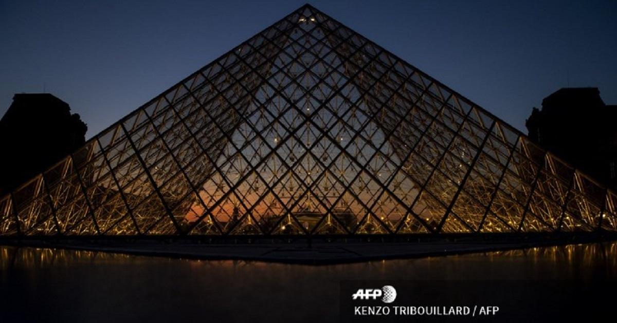 El Louvre hace corta pregunta en redes y el más creativo podrá pasar la noche en el museo