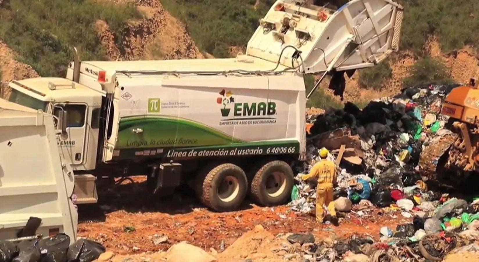 Funcionario denuncia presiones del alcalde de Bucaramanga en licitación de basuras