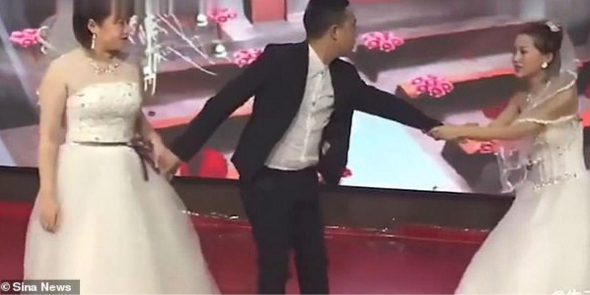 Mujer llegó vestida de novia a la boda de su ex para rogarle que se casara con ella