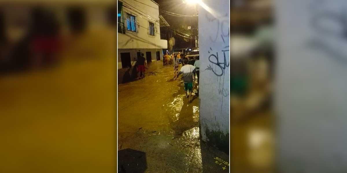 Más de 600 personas afectadas por desbordamiento de río en Caldas, Antioquia
