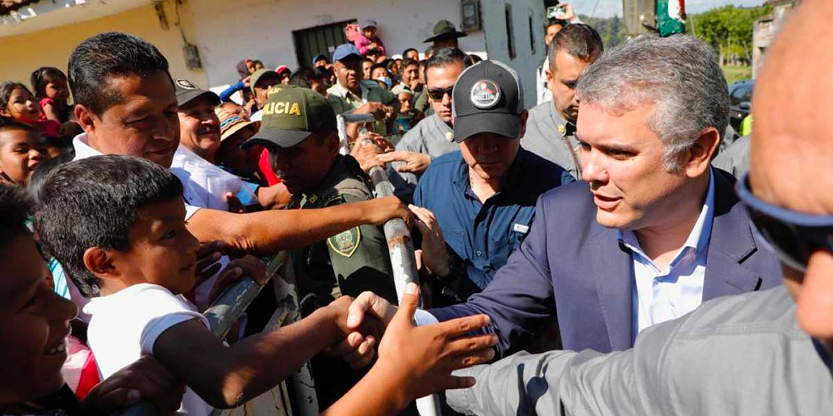 Tres horas después de su llegada a Caldono, Duque no ha podido reunirse con dirigentes indígenas