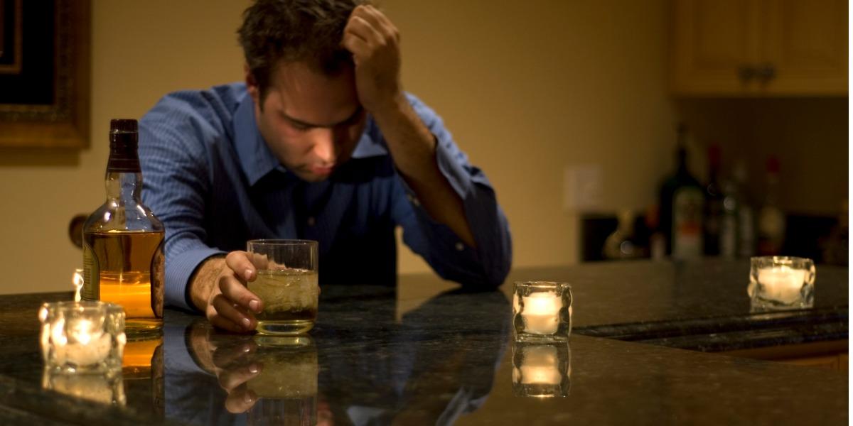 El alcohol sigue deteriorando el cerebro incluso luego de dejar de consumirlo