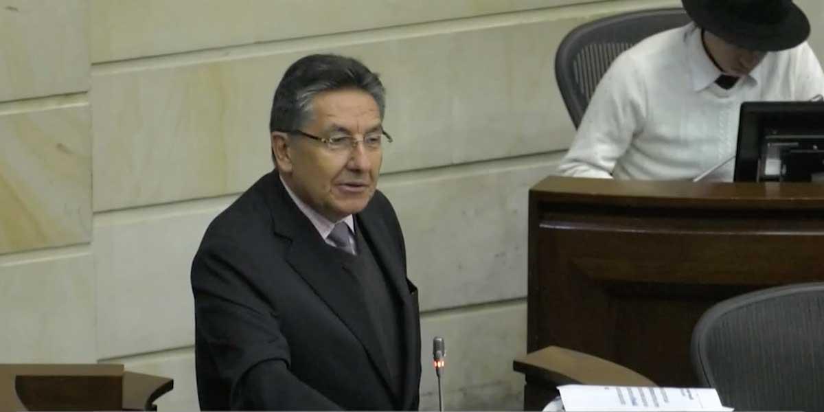 Ley de la JEP tiene artículo que beneficia a narcotraficantes, denuncia el fiscal