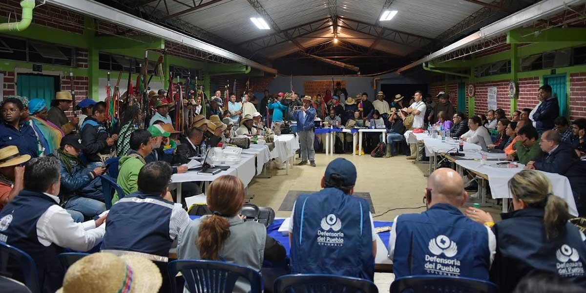 Gobierno y minga no logran conjurar bloqueo en la Panamericana, pese a larga jornada en la mesa