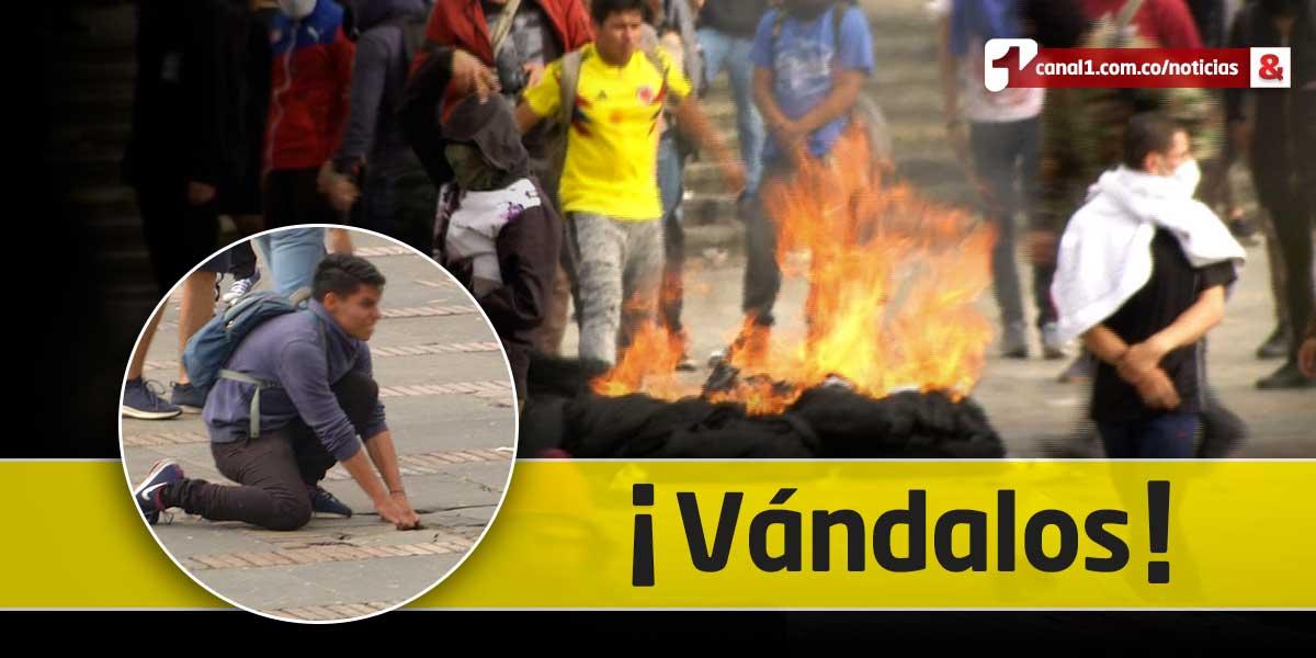 ¿Cuánto costará a los bogotanos los daños que ocasionaron vándalos a la Plaza de Bolívar?