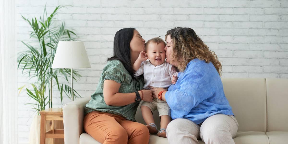 ¿Qué condiciones debe cumplir una pareja del mismo sexo para adoptar en Colombia?