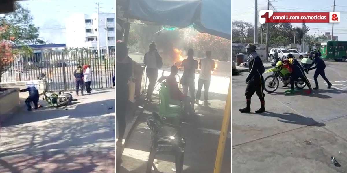 Encapuchados queman moto de la Policía, en medio de disturbios en Uniatlántico