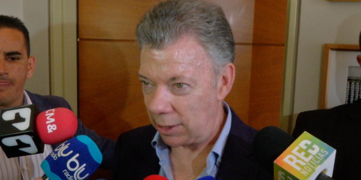 CNE abre indagación contra expresidente Santos por presunta financiación de Odebrecht