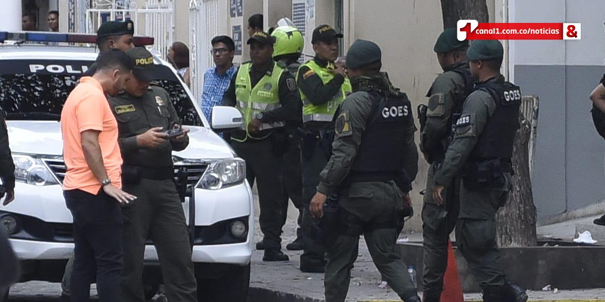 Presos de la URI en Barranquilla se amotinan y toman como rehén a policía custodio
