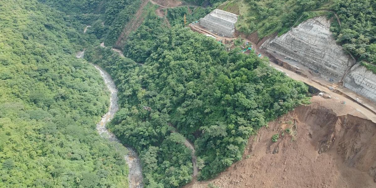 Derrumbe destruyó tramo de la vía Amagá – Bolombolo en Antioquia