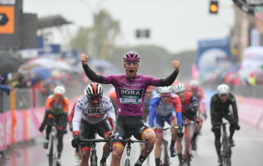 Ackermann ganó la quinta etapa del Giro; Gaviria terminó segundo