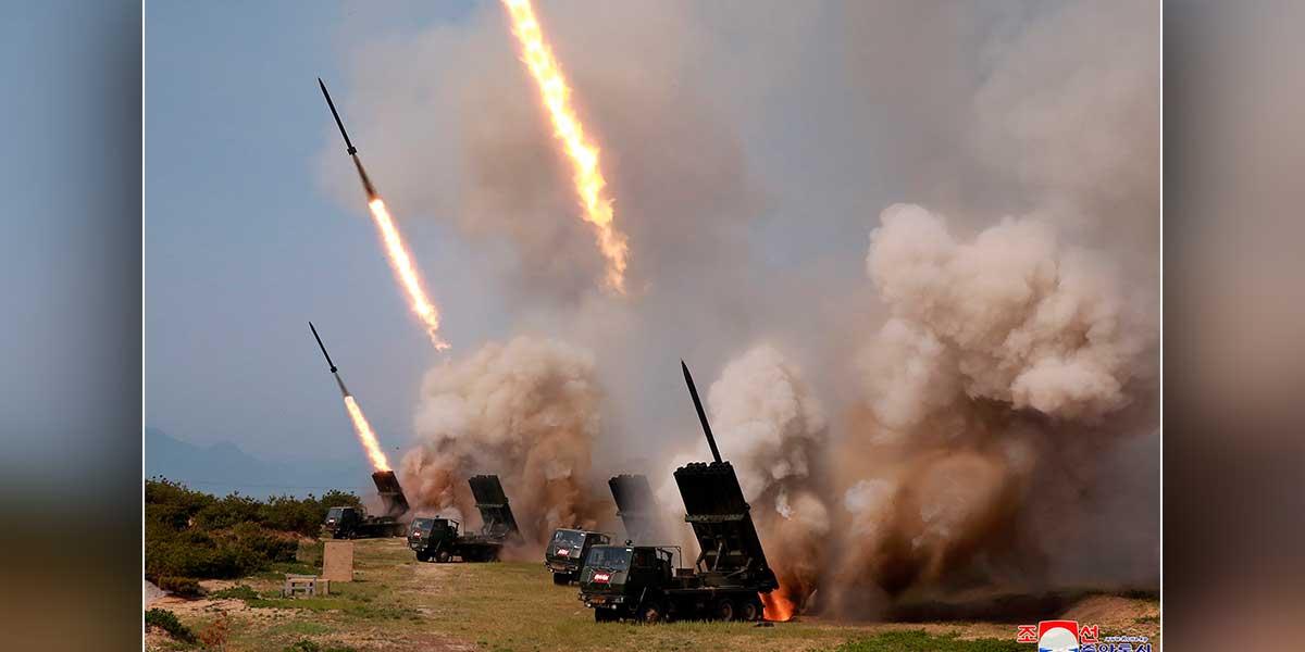 Pionyang exhibe misiles avanzados mientras Seúl y Washington moderan su tono