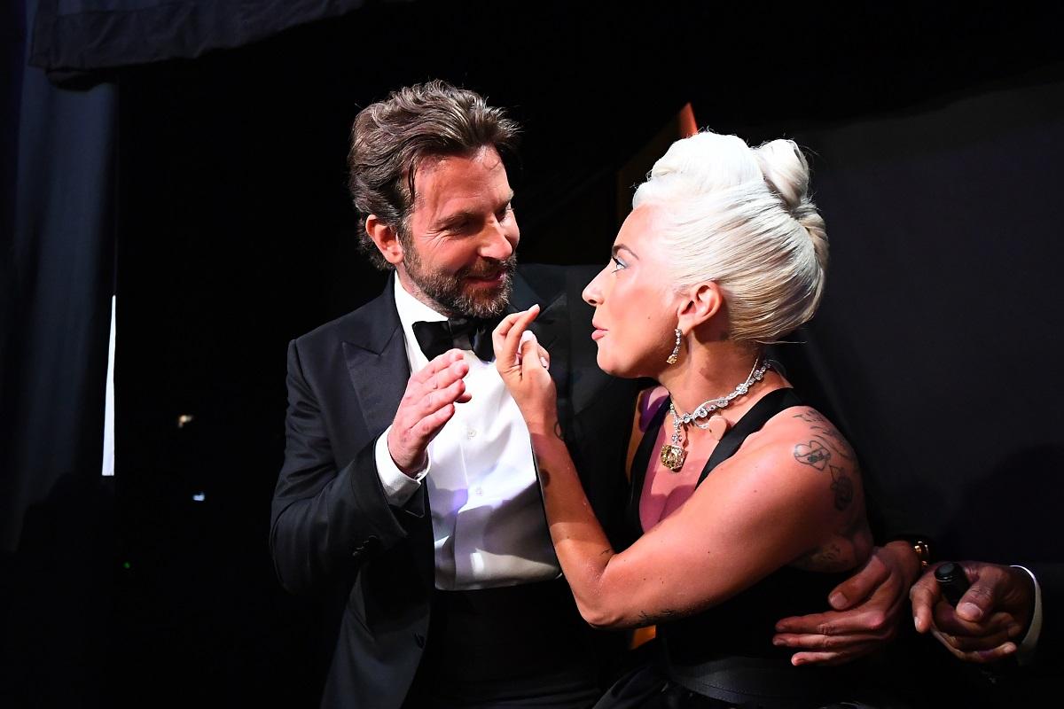 Pillan a Lady Gaga saliendo de la casa de Bradley Cooper