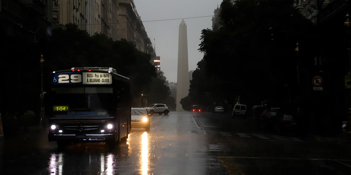 Colapso eléctrico en Argentina afecta también a Uruguay y Paraguay