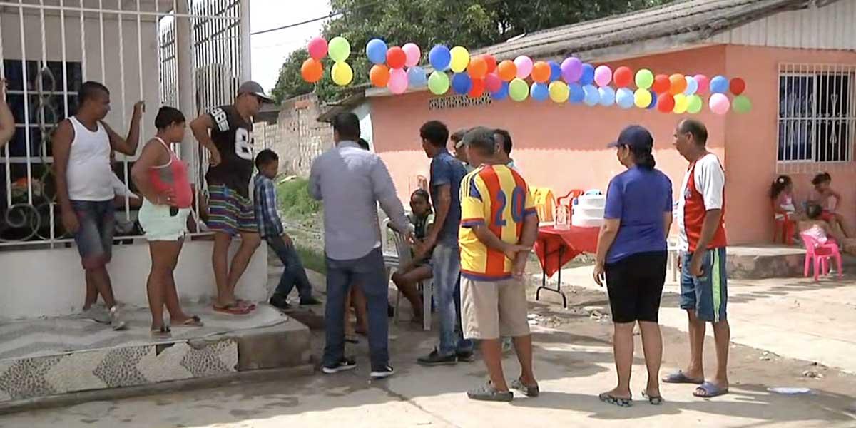 Habitantes celebran aniversario de obra inconclusa en Soledad, Atlántico