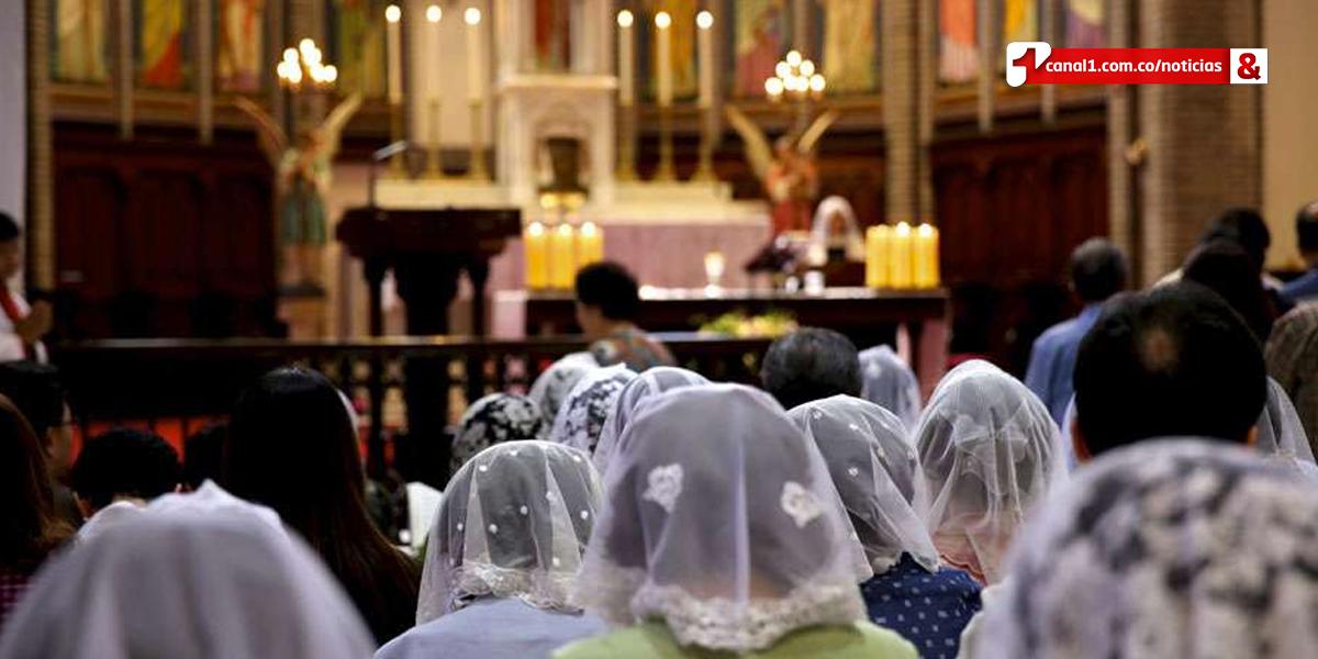 Vaticano pide cesen 'presiones intimidatorias' a católicos chinos