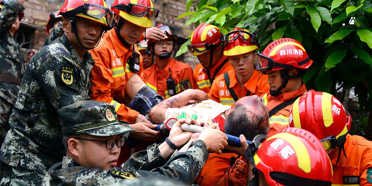 Al menos 11 muertos y más de 120 heridos tras terremoto en el centro de China