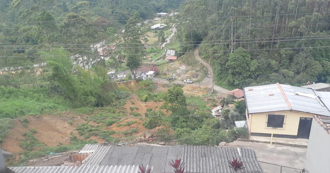 Siete hermanos perdieron sus casas por derrumbe en Caldas, Antioquia