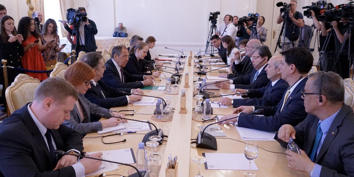 Cancilleres Trujillo y Lavrov apoyan solución política en Venezuela pero discrepan sobre Guaidó
